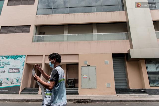 Ảnh: Cận cảnh toà nhà Thuận Kiều Plaza, nơi chuẩn bị được trưng dụng làm bệnh viện dã chiến điều trị Covid-19 - Ảnh 7.