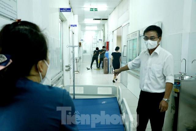 Cấp tốc mở rộng gấp 3 khu điều trị bệnh nhân COVID-19 nặng tại Bệnh viện Chợ Rẫy  - Ảnh 1.