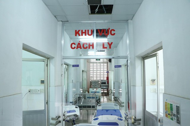 Cấp tốc mở rộng gấp 3 khu điều trị bệnh nhân COVID-19 nặng tại Bệnh viện Chợ Rẫy  - Ảnh 3.