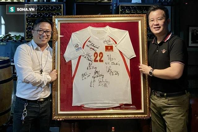 Doanh nhân trả 206 triệu đấu giá chiếc HCV của Trọng Hoàng: Tôi chưa bao giờ nghĩ sẽ làm một ông bầu bóng đá - Ảnh 3.