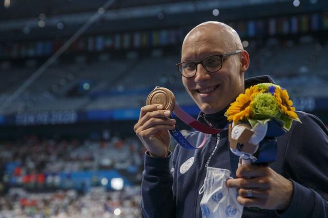 Tấm huy chương Olympic sau 101 năm và câu chuyện truyền cảm hứng của VĐV mắc bệnh hiếm khiến đầu trọc lốc - Ảnh 4.