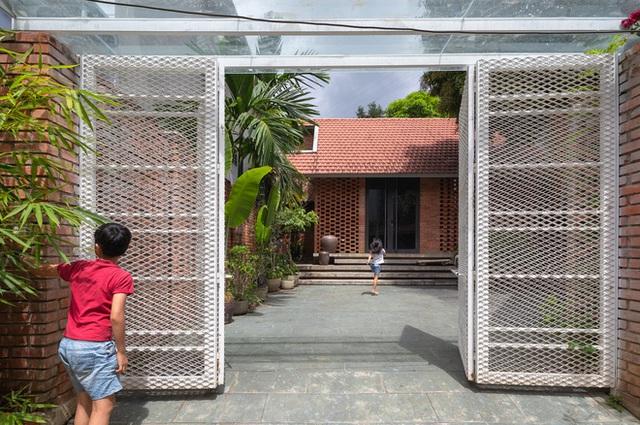 Ngôi nhà gạch thiết kế ngẫu hứng trên sườn đồi ở Sơn La xuất hiện trên báo Mỹ - Ảnh 5.