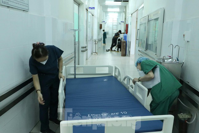 Cấp tốc mở rộng gấp 3 khu điều trị bệnh nhân COVID-19 nặng tại Bệnh viện Chợ Rẫy  - Ảnh 7.