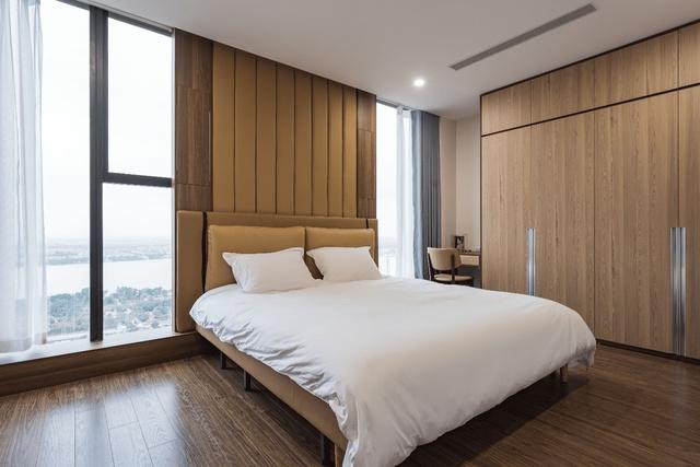 Khám phá căn hộ duplex sở hữu tầm view bao trọn sông Hồng trong khu nhà giàu bậc nhất Hà Nội - Ảnh 5.