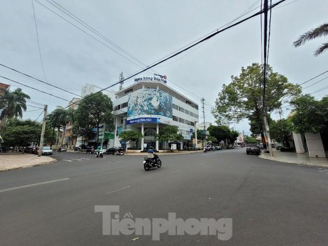 Cận cảnh loạt trụ sở đất vàng được bán đấu giá ở Đắk Lắk - Ảnh 6.