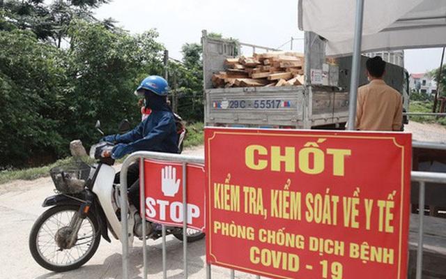 Hà Nội: Chủ tịch UBND phường phạt Bí thư phường vì ra ngoài không đeo khẩu trang