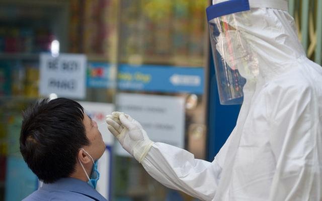 Sáng 11/8, Hà Nội chỉ ghi nhận 3 ca dương tính SARS-CoV-2, đều đã được cách ly từ trước