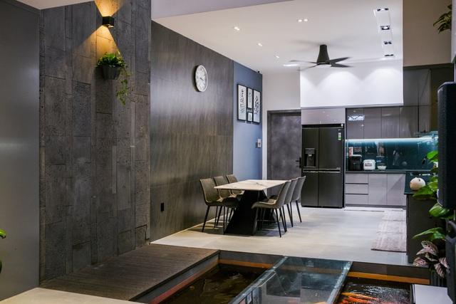 Ngôi nhà phố được thiết kế hiện đại, tinh tế: Không gian sống nhiều cây xanh, có cả bể cá Koi hợp phong thủy, đem lại may mắn cho gia chủ - Ảnh 11.