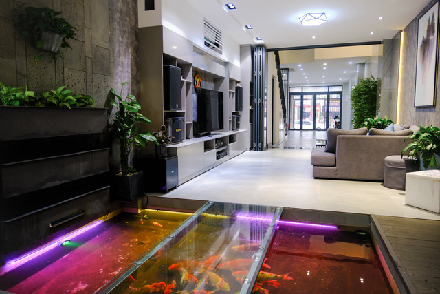 Ngôi nhà phố được thiết kế hiện đại, tinh tế: Không gian sống nhiều cây xanh, có cả bể cá Koi hợp phong thủy, đem lại may mắn cho gia chủ - Ảnh 13.
