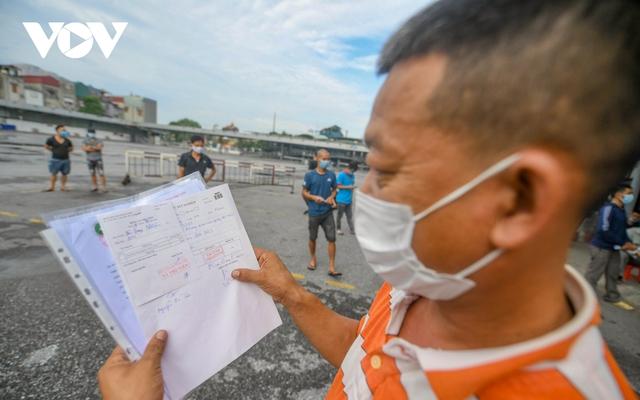 """Hỗ trợ test nhanh virus SARS-CoV-2 cho hàng loạt tài xế """"luồng xanh"""" ở Hà Nội - Ảnh 14."""
