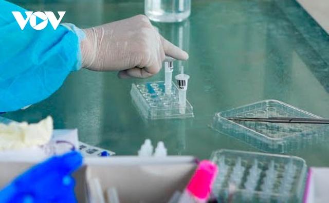 """Hỗ trợ test nhanh virus SARS-CoV-2 cho hàng loạt tài xế """"luồng xanh"""" ở Hà Nội - Ảnh 9."""