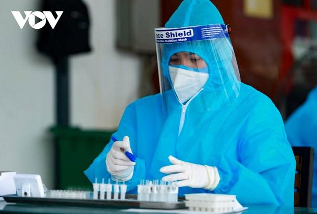 """Hỗ trợ test nhanh virus SARS-CoV-2 cho hàng loạt tài xế """"luồng xanh"""" ở Hà Nội - Ảnh 10."""