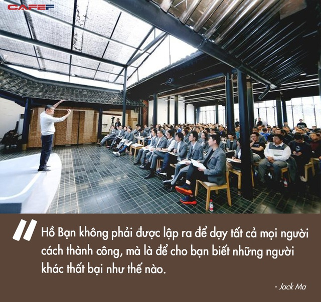 Bí ẩn bên trong trường doanh nhân toàn tinh hoa Jack Ma từng làm hiệu trưởng: Tỷ lệ trúng tuyển còn cao hơn Harvard, phỏng vấn siêu hack não, có cả bài tập về nhà - Ảnh 11.