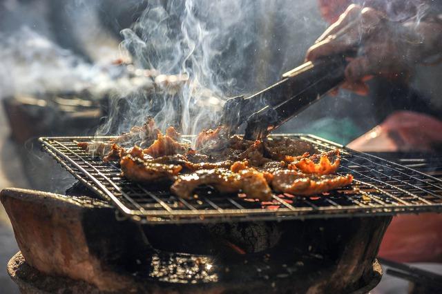 2 loại thịt được giới chuyên gia cảnh báo là sát thủ dễ gây ung thư ruột, đáng tiếc lại hay có mặt trong mâm cơm người Việt - Ảnh 1.
