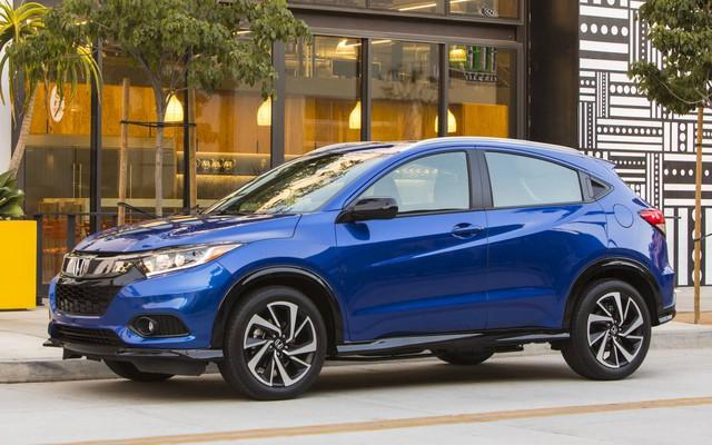 Loạt ô tô đang giảm giá khủng trên thị trường, cao nhất lên đến 200 triệu đồng  - Ảnh 2.