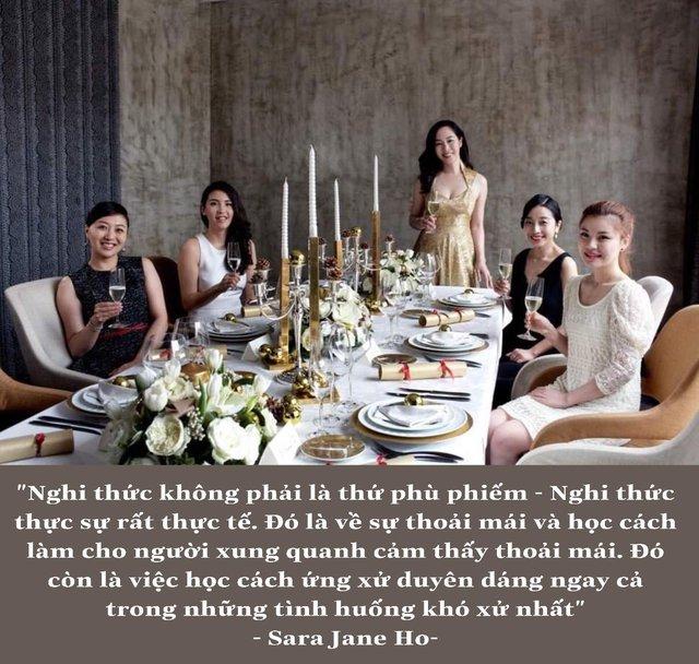 Lớp dạy nghi thức quý tộc - Lò đào tạo những quý bà của thế kỷ 21 có gì mà khiến thế hệ phụ nữ thiên niên kỷ giàu có ở Trung Quốc đổ xô chi tiền khủng đăng kí học ? - Ảnh 2.