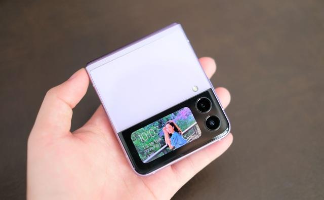 Trải nghiệm Galaxy Z Flip3: Smartphone màn hình gập giá rẻ nhất hiện nay, liệu có đáng mua? - Ảnh 3.