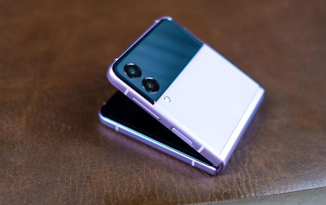 Trải nghiệm Galaxy Z Flip3: Smartphone màn hình gập giá rẻ nhất hiện nay, liệu có đáng mua? - Ảnh 11.