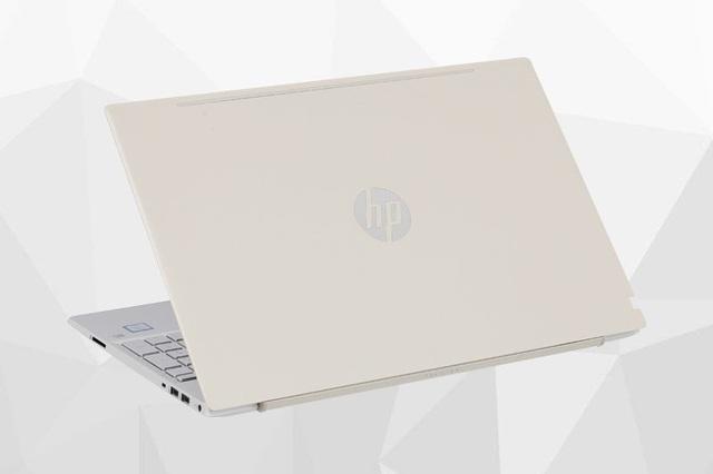 Nhiều mẫu laptop đồng loạt giảm giá đầu tháng 8 - Ảnh 1.