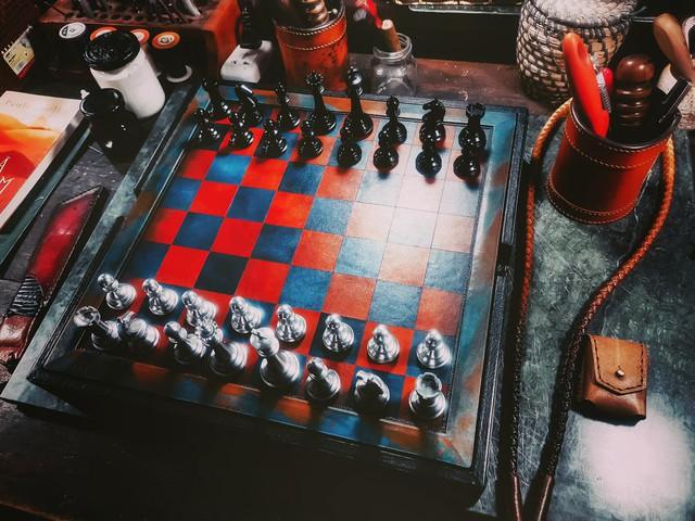 Startups bán đồ chơi cho nhà giàu: Bộ cờ vua giá 40 triệu đồng, cá ngựa 1,2 triệu, mới mở 1 năm định giá công ty 25 tỷ đồng - Ảnh 1.