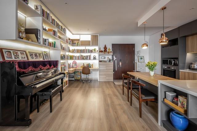 """Không gian căn hộ 99m2 thoáng đãng, rất chill của gia đình thích đọc sách, yêu âm nhạc sau khi được KTS khuyên: """"Thiết kế không gian sống cần lâu dài, đừng ở tạm bợ như ăn ổ bánh mỳ, uống ly sữa"""" - Ảnh 5."""