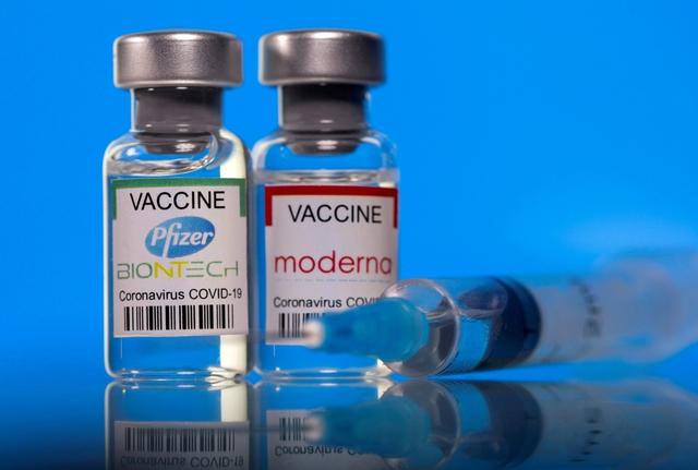 Pfizer và Moderna tăng giá vaccine tại châu Âu - Ảnh 1.