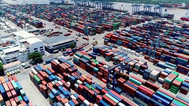 Sẽ chuyển hàng tồn đọng quá 90 ngày tại cảng Cát Lái đi nơi khác - Ảnh 1.