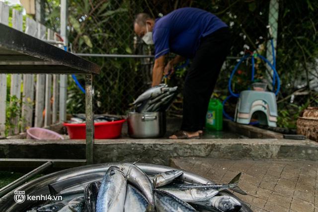 Chuyện cư dân chung cư ở Sài Gòn nấu hàng trăm suất ăn mỗi ngày tiếp sức các Bệnh viện dã chiến: Những người tham gia phải có xét nghiệm âm tính - Ảnh 11.