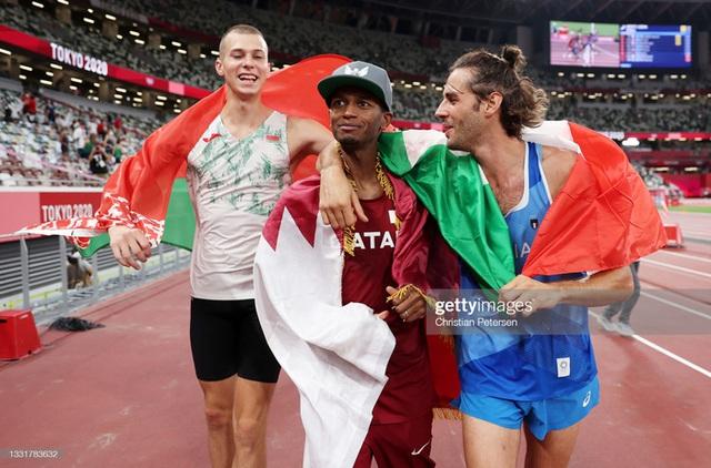 Lãng tử Italy vô địch nhảy cao Olympic Tokyo cùng linh vật đặc biệt - biểu tượng của sự vươn lên từ tro tàn - Ảnh 13.