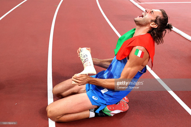 Lãng tử Italy vô địch nhảy cao Olympic Tokyo cùng linh vật đặc biệt - biểu tượng của sự vươn lên từ tro tàn - Ảnh 14.