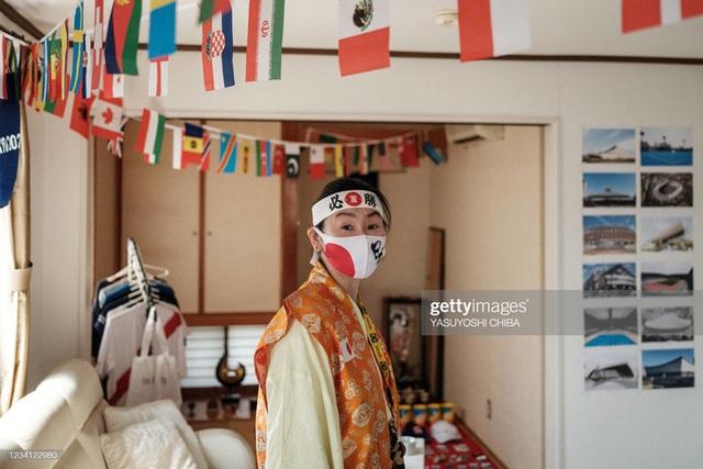 Siêu fan Nhật Bản 30 năm dự không sót kỳ Olympic nào, quyết tâm biến nhà thành nhà thi đấu - Ảnh 5.
