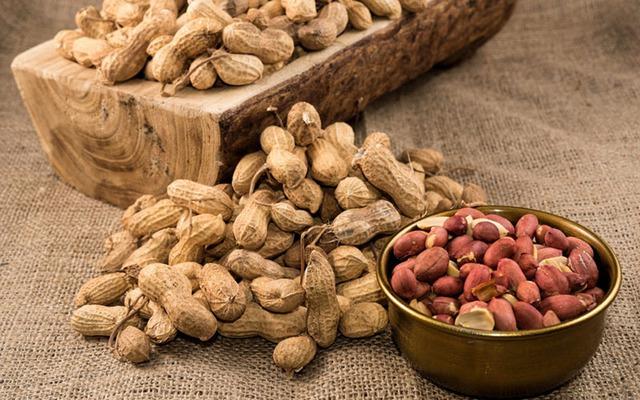 Ai cũng nghĩ hạnh nhân giàu vitamin E số 1 cho đến khi biết về các thực phẩm này - Ảnh 6.