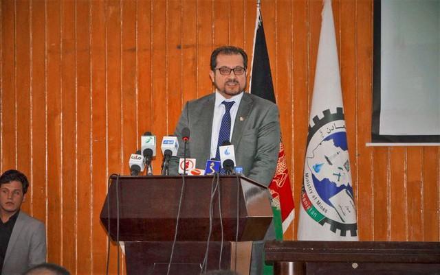 Cựu Bộ trưởng Afghanistan trở thành shipper giao bánh pizza ở Đức - Ảnh 1.
