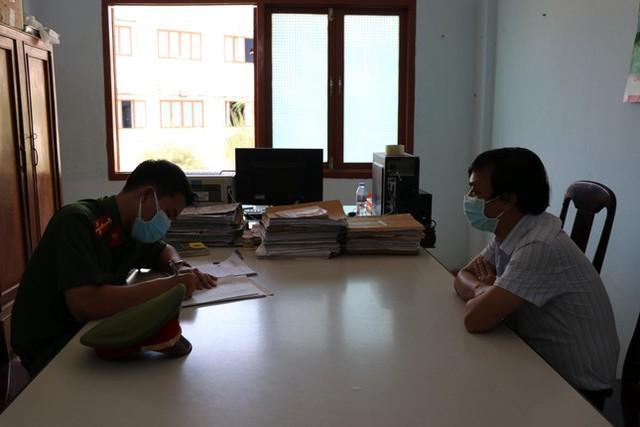 Vụ bán sỉ 262 lô đất ở Phú Yên: Khởi tố 2 phó giám đốc sở và phó cục thuế tỉnh - Ảnh 1.