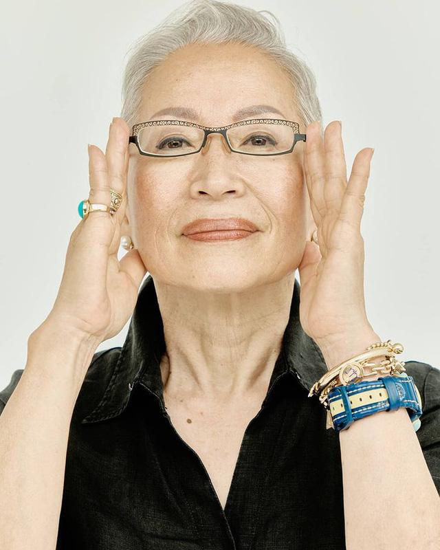 Khám phá bí quyết duy trì sức khỏe và vóc dáng của cụ bà Hàn Quốc gần 70 tuổi sở hữu 800.000 followers trên YouTube - Ảnh 1.