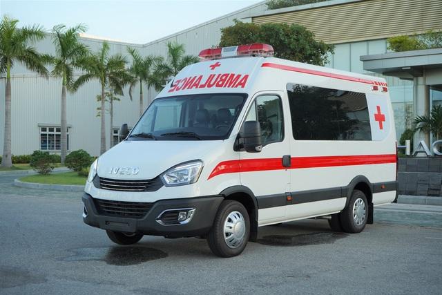 Tỷ phú Việt muốn tặng TP.HCM 30 xe cứu thương, 25 xe tiêm vắc xin, 500.000 bộ kit test Covid - Ảnh 1.