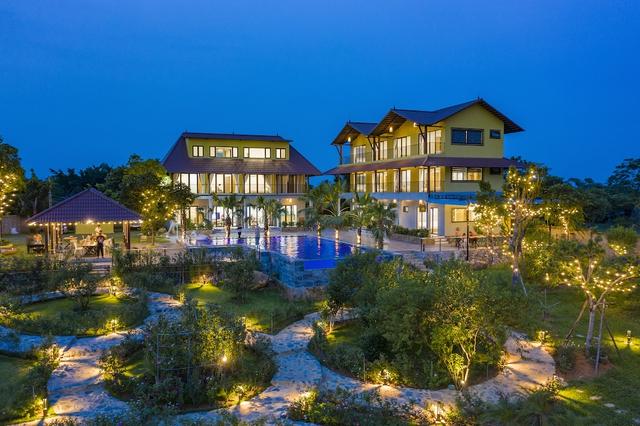 Vì đam mê và thích tụ tập, người phụ nữ này mua 6000m2 đất ở Ba Vì xây cả một resort mini sang chảnh để tận hưởng cuộc sống nghỉ dưỡng cho gia đình - Ảnh 1.