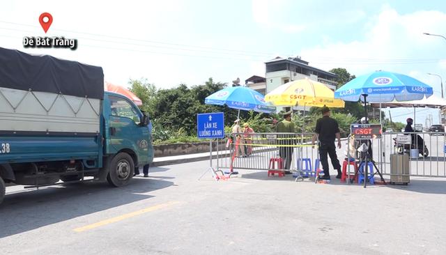 Áp dụng giấy đi đường mới, nhiều người Hà Nội phải quay đầu xe - Ảnh 4.