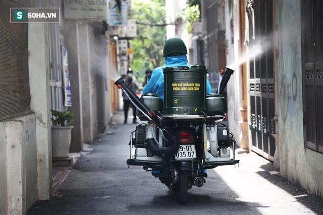 Chỉ Việt Nam mới có: Chế Honda Dream thành xe phun khử khuẩn lưu động, công suất tương đương sức 100 người - Ảnh 8.