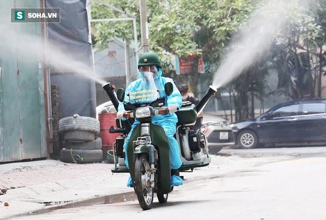 Chỉ Việt Nam mới có: Chế Honda Dream thành xe phun khử khuẩn lưu động, công suất tương đương sức 100 người - Ảnh 9.