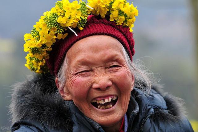 Cụ bà 103 tuổi đã 60 năm chưa từng mất ngủ, phương pháp ngủ ngon của cụ rất đơn giản - Ảnh 1.