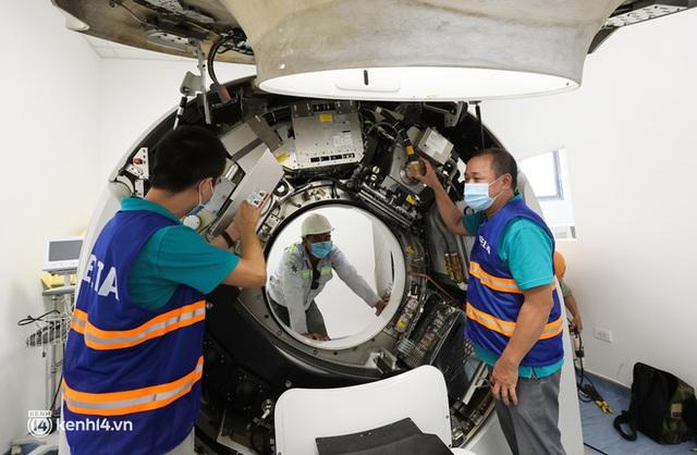 Ảnh: Cận cảnh trang thiết bị, máy móc hiện đại bên trong Bệnh viện dã chiến điều trị Covid-19 lớn nhất Hà Nội chuẩn bị đưa vào hoạt động - Ảnh 13.