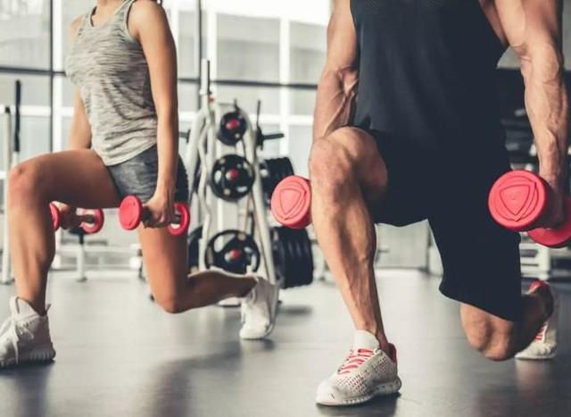 Nam giới trên 45 tuổi nếu có thể tập 4 động tác thể dục này thì chứng tỏ thể lực khá tốt: Duy trì đều đặn để cải thiện sức khỏe, kéo dài tuổi thọ - Ảnh 2.