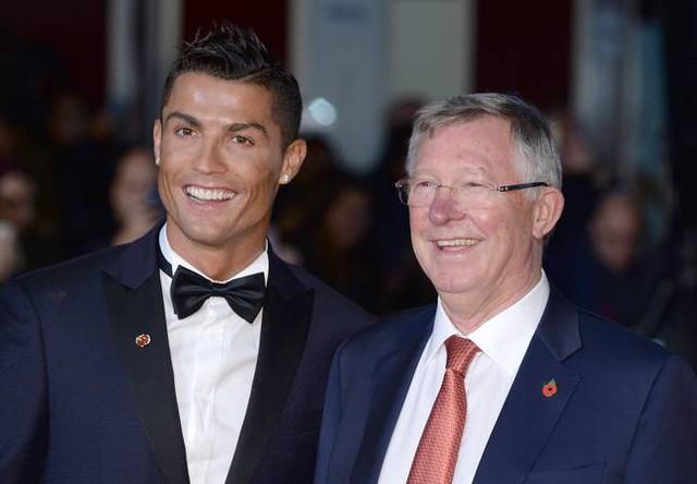 Ronaldo viết tâm thư cảm động trong ngày về Man United: Sir Alex, con làm tất cả vì thầy! - Ảnh 2.
