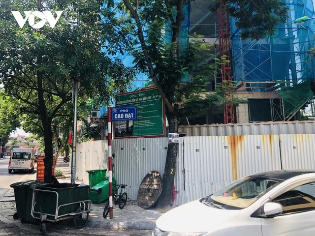 Các công trình xây dựng ở Hà Nội thực hiện chỉ thị giãn cách xã hội - Ảnh 1.