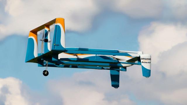 Dịch vụ giao hàng bằng drone của Amazon trên bờ vực sụp đổ, hơn 100 nhân viên nghỉ việc, người ở lại uống bia từ sáng tới chiều - Ảnh 1.