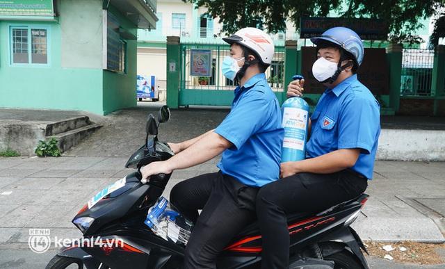 """""""Cha đẻ"""" ATM gạo cho ra đời ATM Oxy và câu chuyện bình oxy cứu sống một người cha ở Sài Gòn trong đêm - Ảnh 15."""