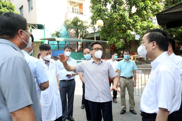 Chùm ảnh: Phó Thủ tướng Vũ Đức Đam kiểm tra công tác phòng, chống dịch COVID-19 tại Hà Nội - Ảnh 3.