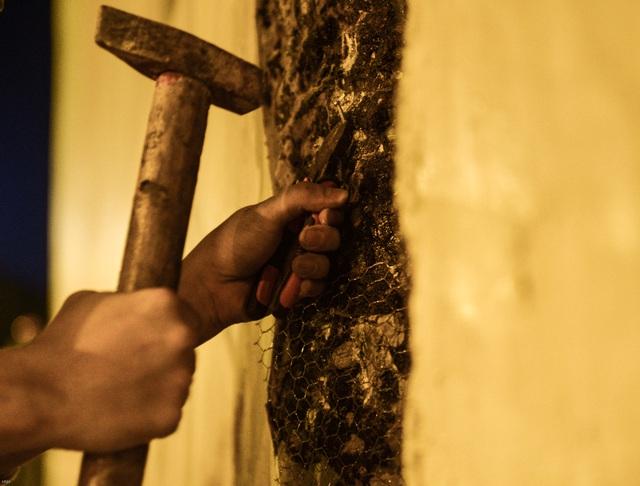 Hà Nội: Hàng chục công nhân làm việc xuyên đêm để sửa chữa hầm chui Kim Liên - Ảnh 10.