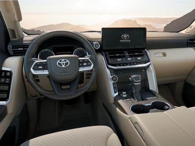 Khổ như mua Toyota Land Cruiser: Người Việt chịu chênh giá 500 triệu, người Nhật xếp hàng đợi 1 năm mới có xe - Ảnh 2.